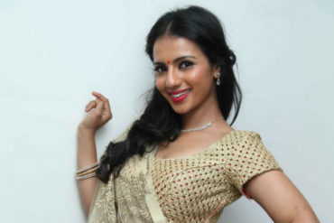 Sruthi Hariharan is the Female Lead of Solo