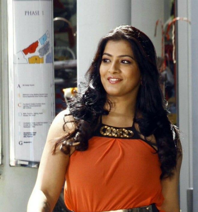 Varalaxmi to Join Thiru's Film