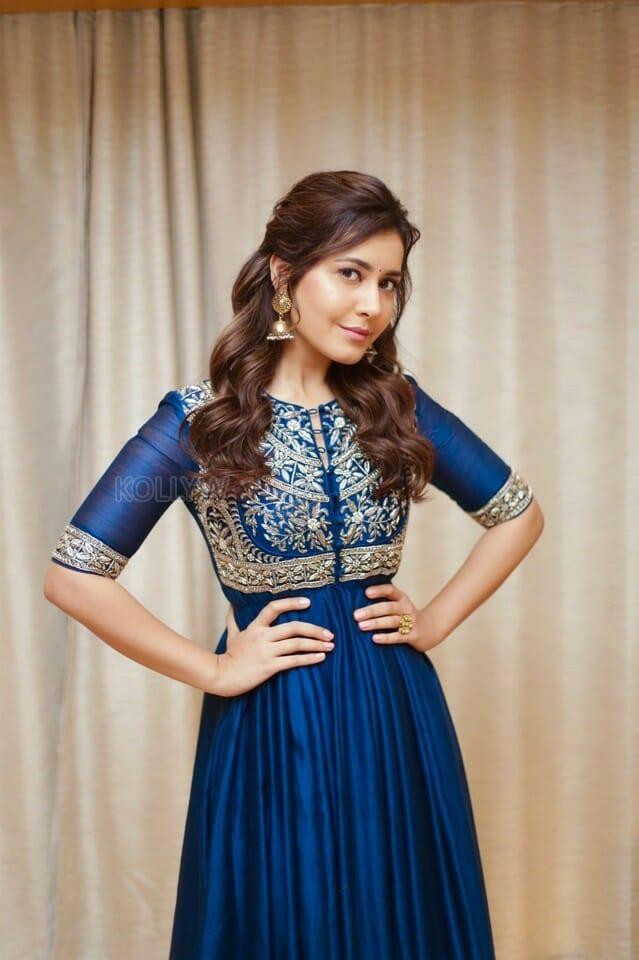 Rashi Khanna - Rashi Khanna to act with this popular hero!