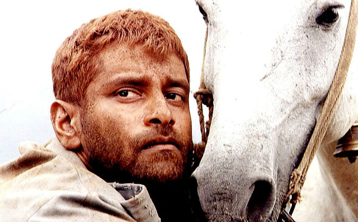 Vikram in Pithamagan - Five occasions the birthday boy Chiyaan Vikram amazed us on screen