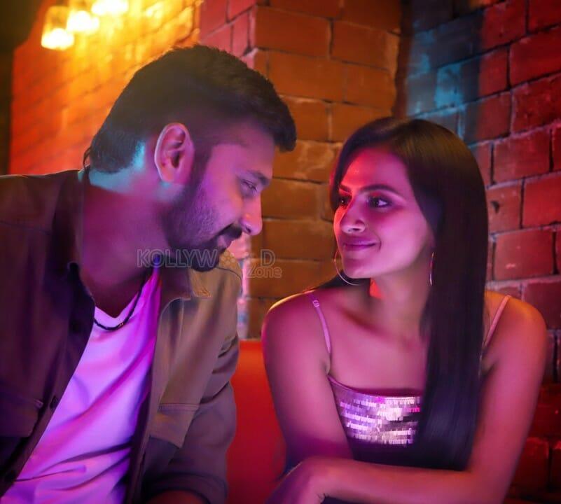 K-13 Movie - Arulnithi and Shraddha Srinath