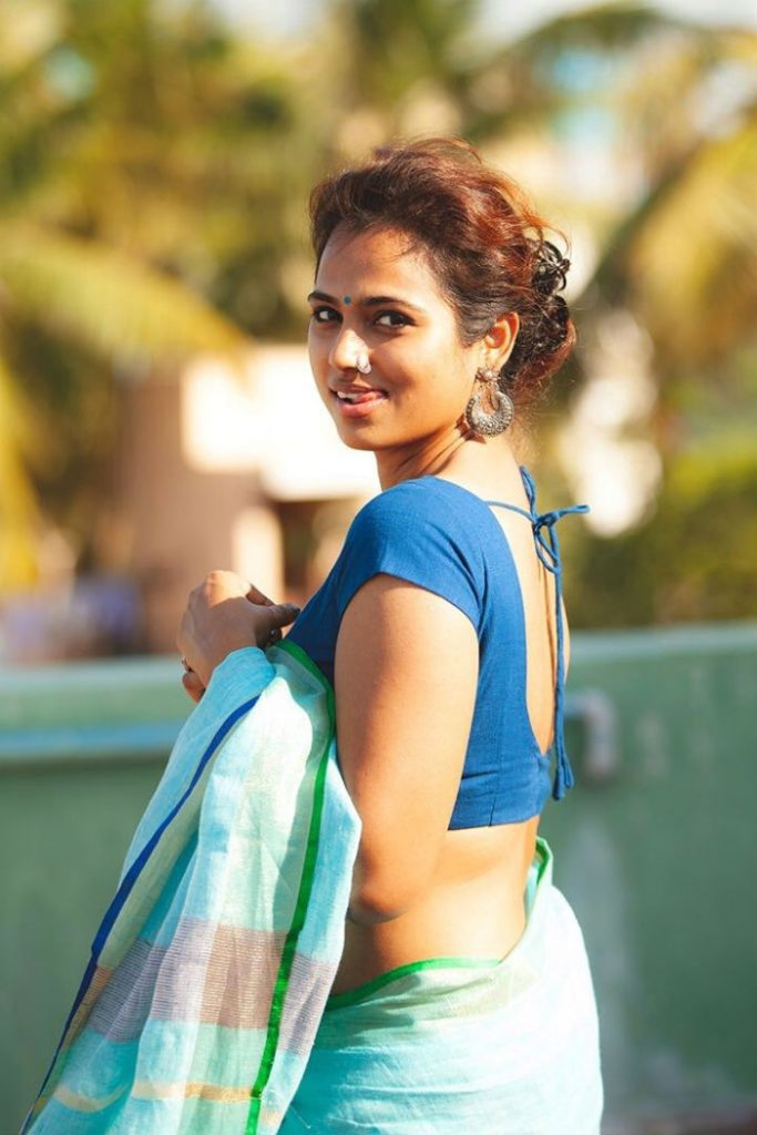 ramya pandian hot saree photo 683x1024 - Ramya Pandian's hot saree photo shoot turns viral!