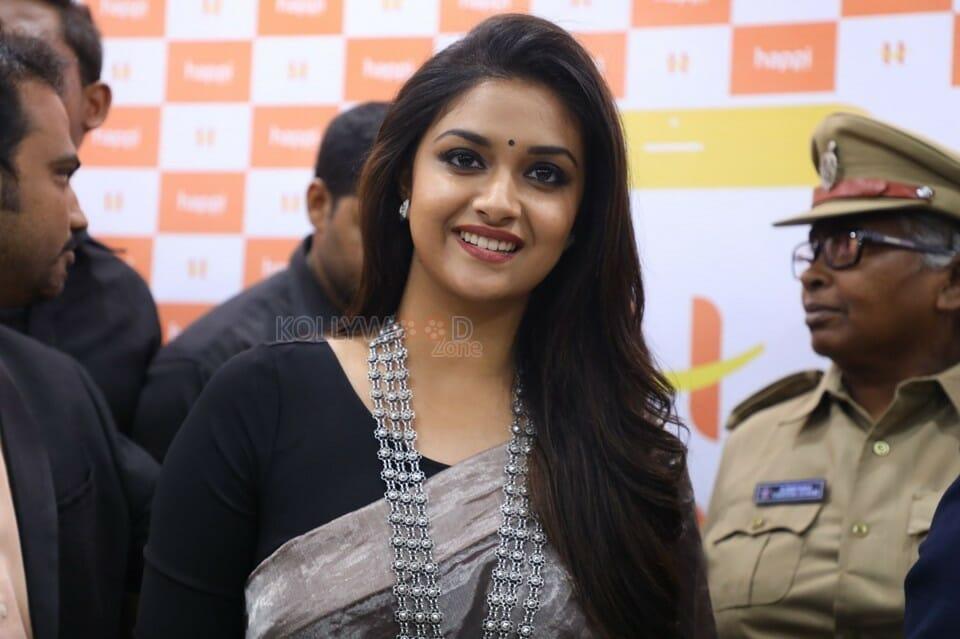 Actress Keerthi Suresh At Happi Mobiles Grand Store Opening Guntur Photos