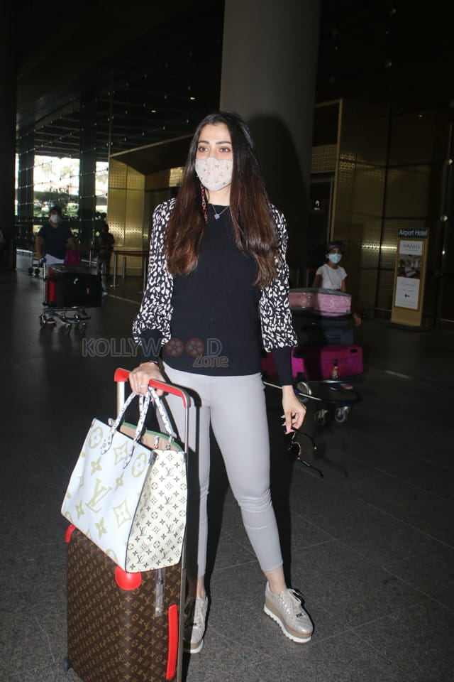 Lakshmi Rai spotted at Airport Arrival Pictures