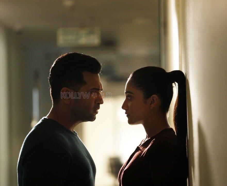 Borrder Movie Regina Cassandra Arun Vijay Photos