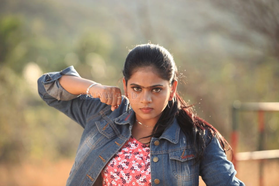 Naan Vera Mathiri Movie Pictures