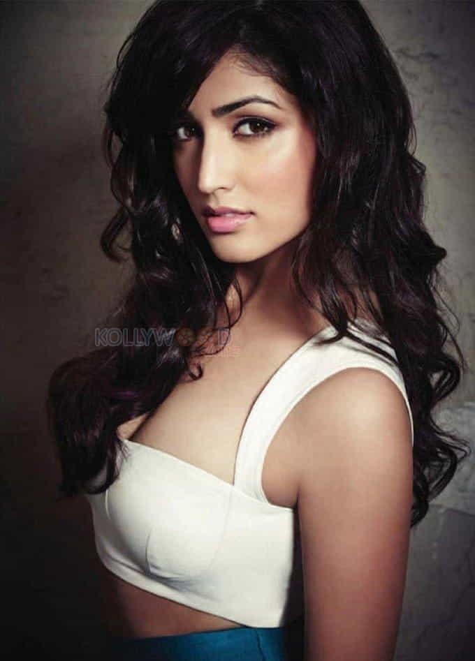 Actress Yami Gautam Red Hot Photos