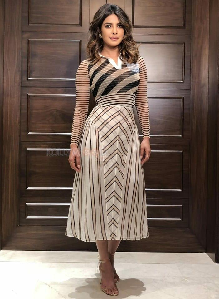 Indian Actress Priyanka Chopra Photoshoot Pictures