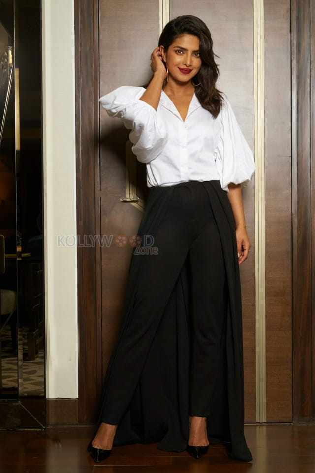 Stylish Priyanka Chopra Photos
