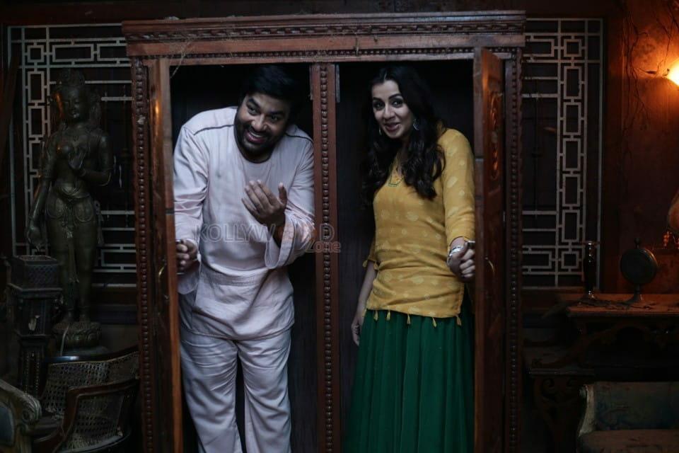 Idiot Movie Shiva Nikki Galrani Pictures 05