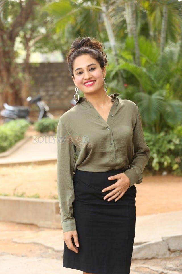 Actress Pooja Ramachandran At Devi Sri Prasad Pre release Event Photos 03
