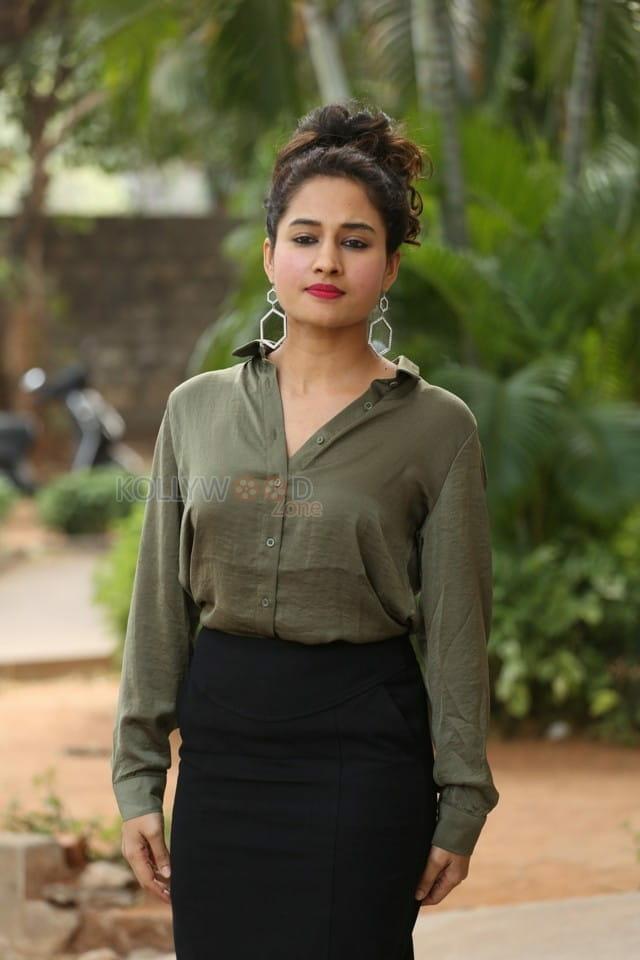 Actress Pooja Ramachandran At Devi Sri Prasad Pre release Event Photos 05