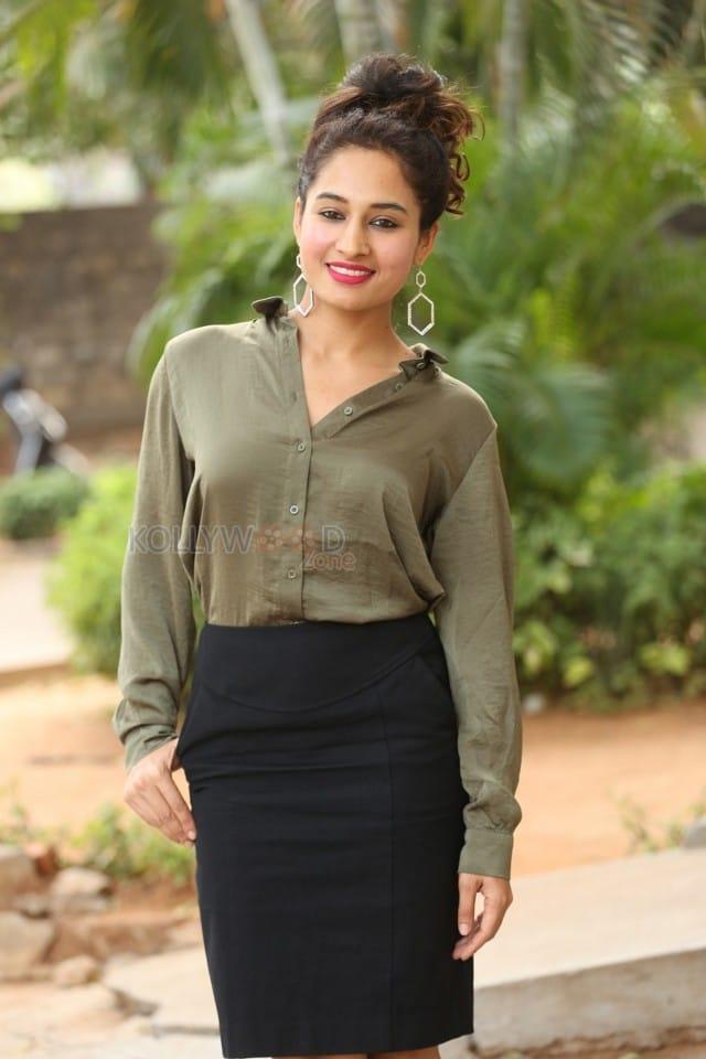 Actress Pooja Ramachandran At Devi Sri Prasad Pre release Event Photos 09