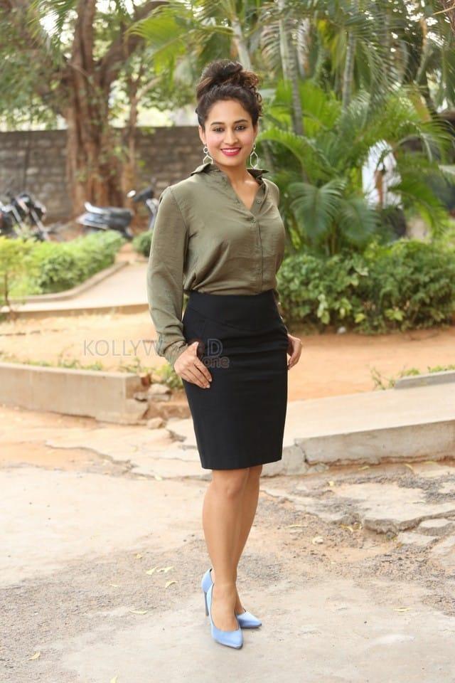 Actress Pooja Ramachandran At Devi Sri Prasad Pre release Event Photos 11