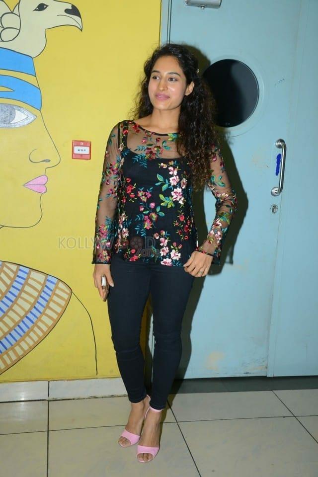Actress Pooja Ramachandran At Evaru Movie Premiere Show Photos 01