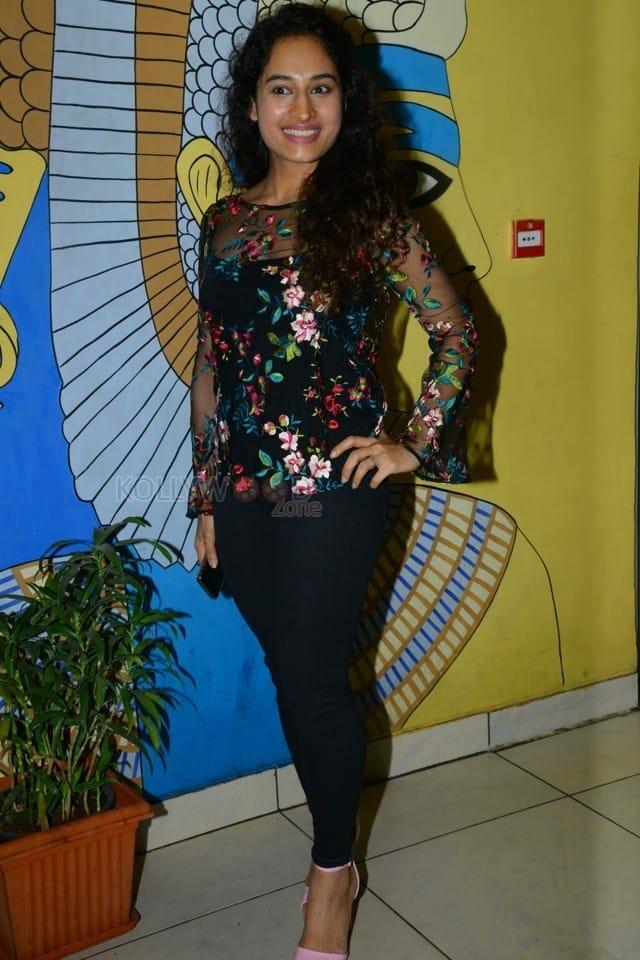 Actress Pooja Ramachandran At Evaru Movie Premiere Show Photos 06