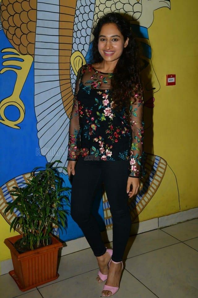 Actress Pooja Ramachandran At Evaru Movie Premiere Show Photos 07