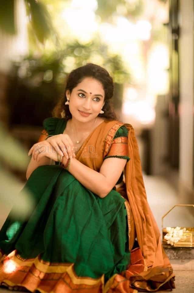 Actress Pooja Ramachandran Traditional Saree Photos 01