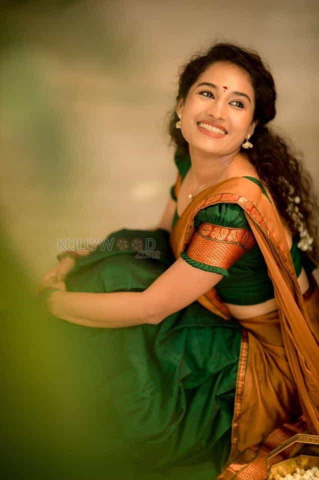 Actress Pooja Ramachandran Traditional Saree Photos 02