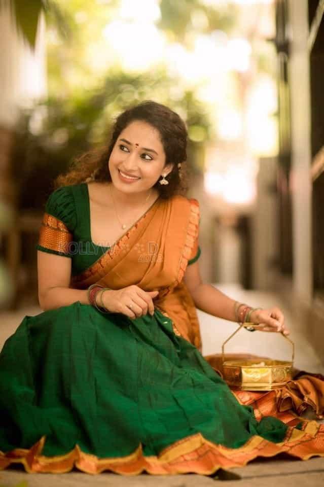 Actress Pooja Ramachandran Traditional Saree Photos 03