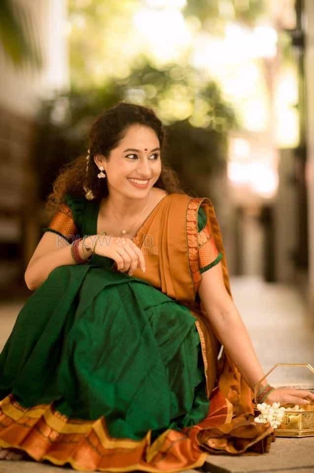 Actress Pooja Ramachandran Traditional Saree Photos 04