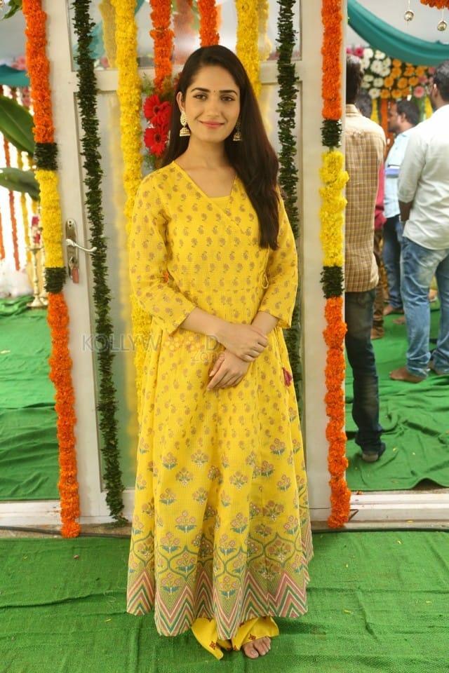 Actress Ruhani Sharma At Chi La Sow Movie Opening Photos 04