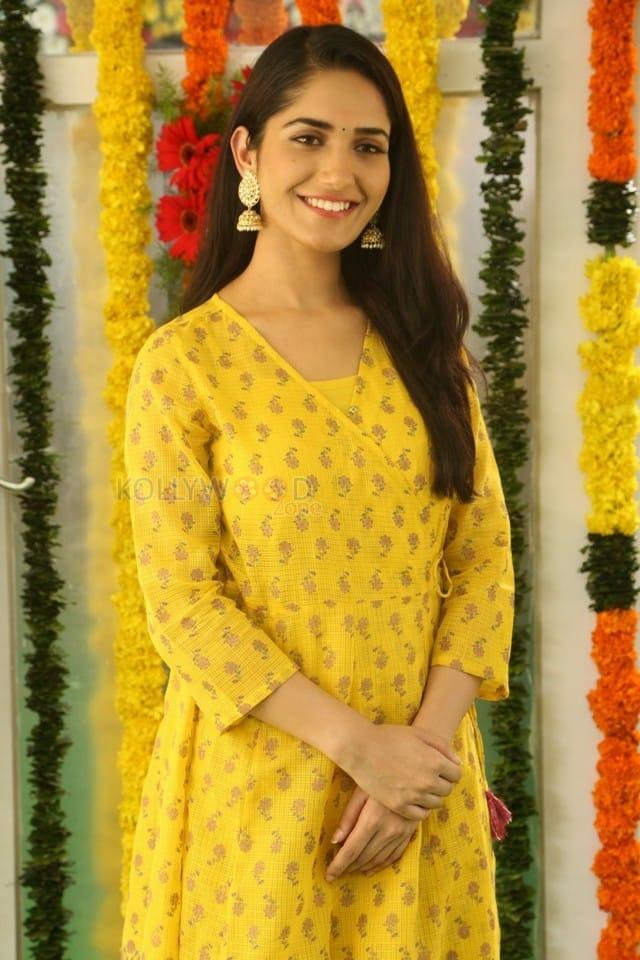 Actress Ruhani Sharma At Chi La Sow Movie Opening Photos 05