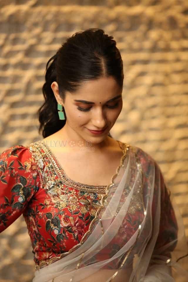 Actress Ruhani Sharma at Nootokka Jillala Andagadu Pre Release Event Photos 09