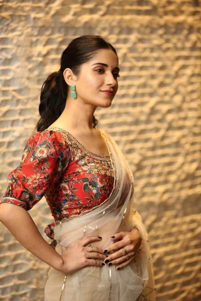 Actress Ruhani Sharma at Nootokka Jillala Andagadu Pre Release Event Photos 10