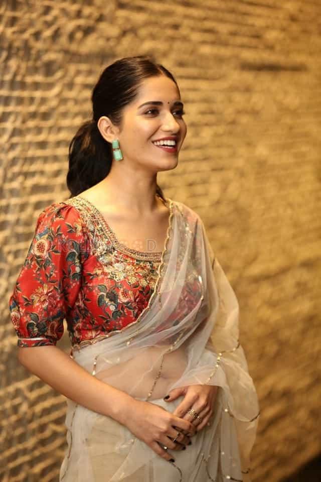 Actress Ruhani Sharma at Nootokka Jillala Andagadu Pre Release Event Photos 12