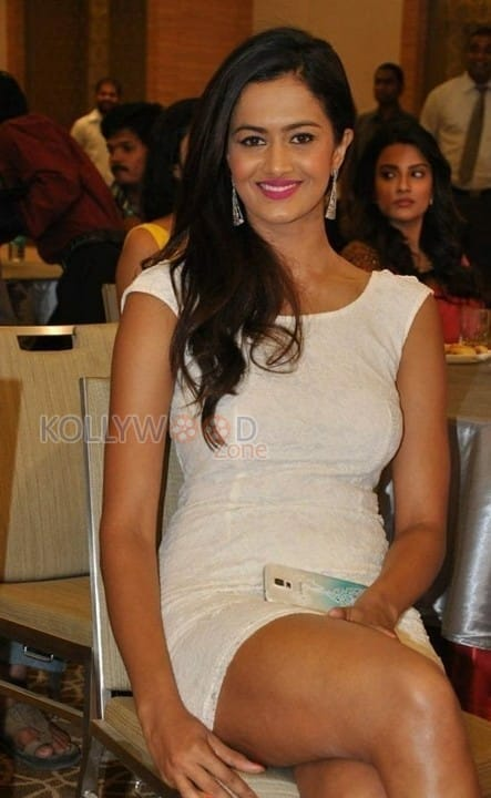 Actress Shubra Aiyappa Latest Pictures 22