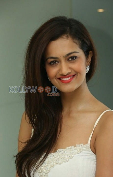 Actress Shubra Aiyappa Photos 13