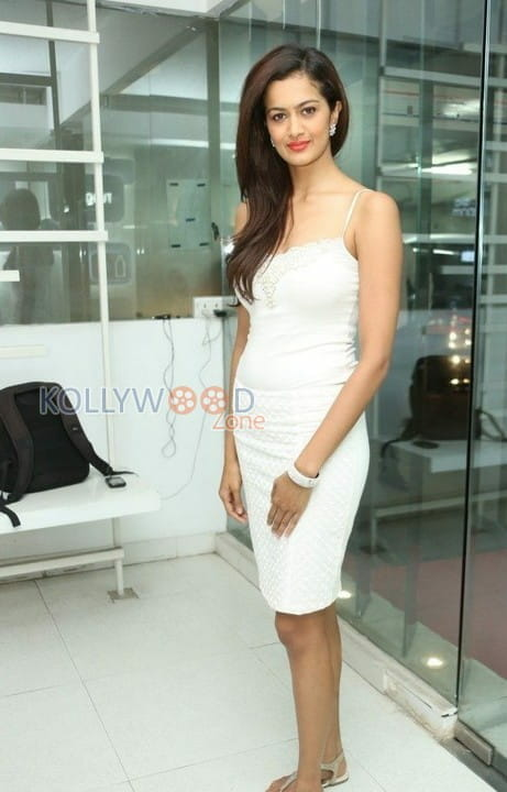 Actress Shubra Aiyappa Photos 17
