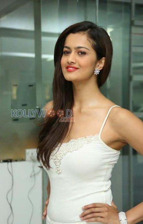 Actress Shubra Aiyappa Photos 18