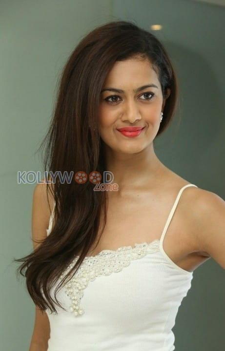 Actress Shubra Aiyappa Photos 20