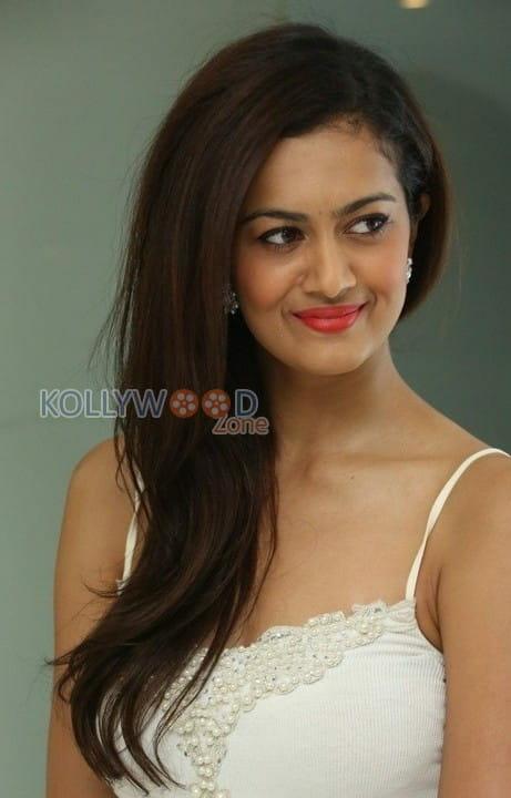 Actress Shubra Aiyappa Photos 26
