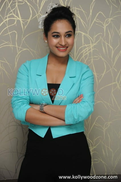 VJ Pooja Pictures 16