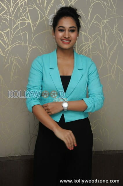 VJ Pooja Pictures 17